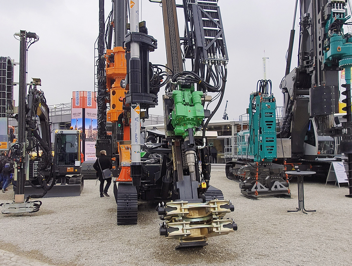 Großes Interesse am Aluminium-Bohrrohr der OTTO FUCHS KG aus Meinerzhagen auf der Bauma